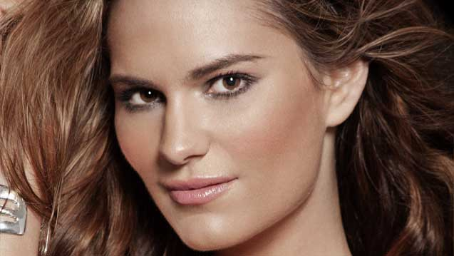 Former Model Nicole Weider Releases Memoir — Get The E-Book Free!