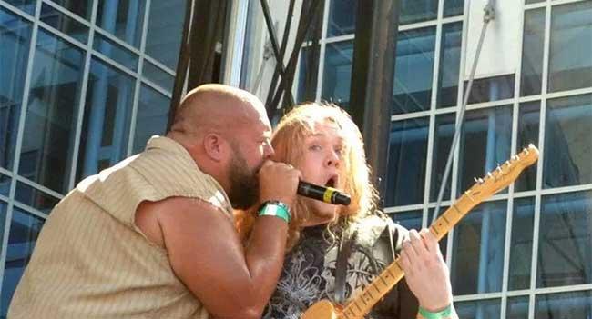 Big Smo Guitarist Travis Tidwell At Rocking Gods House